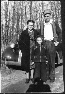 .Merle, Helen and Virginia in front of 1934 Studabaker.