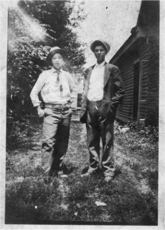 Tennie and Willie dressed for Halloween in 1927