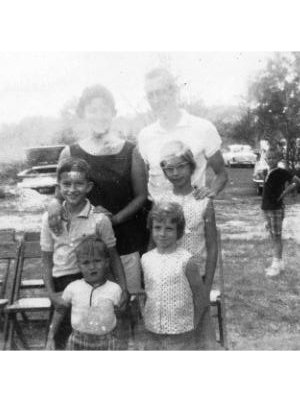 .Noma Lee & Hal  Aunt Norenes Girl and Family.