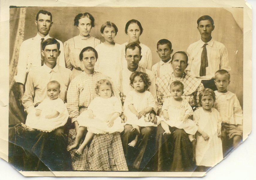 .Thomas L Sullivan Family photo 1913.